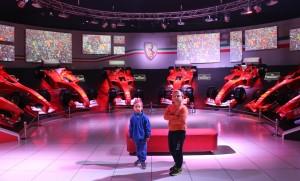 Gli omini nella sala dei trofei, Museo Ferrari, Maranello. Autore e Copyright Marco Ramerini