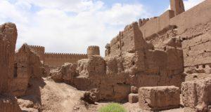 Resti di edifici, Rayen, Iran. Autore e Copyright Marco Ramerini