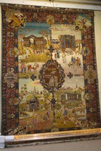 Tappeto del XX secolo proveniente da Tabriz, Museo del Tappeto iraniano, Teheran, Iran. Autore e Copyright Marco Ramerini