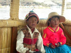 Bambini con vestiti tipici, Perù. Author and Copyright Nello and Nadia Lubrina