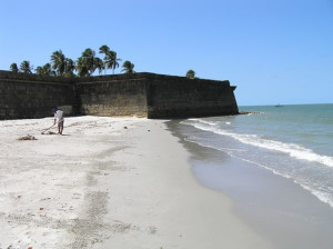 La spiaggia del Forte Orange, Itamaracá, Pernambuco, Brasile. Author and Copyright Marco Ramerini