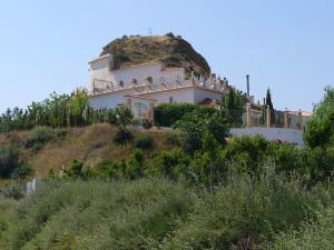 Casa nella roccia, Guadix, Andalusia, Spagna. Author and Copyright Liliana Ramerini