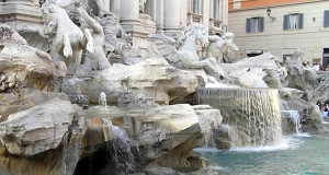 Fontana di Trevi, Roma, Italia. Author and Copyright Marco Ramerini