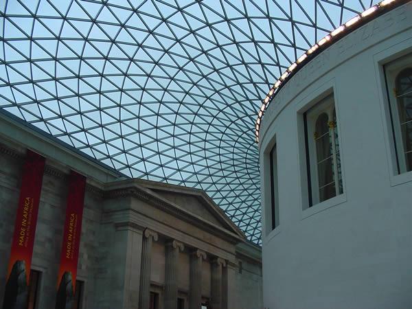 Great Court del British Museum (1994-2000) progettata dall'architetto inglese Norman Foster, British Museum, Londra. Author and Copyright Niccolò di Lalla