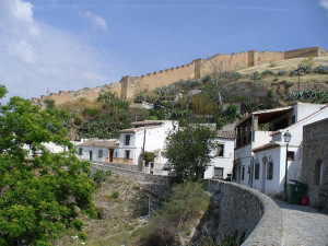 Le mura di Granada, Andalusia, Spagna. Author and Copyright Liliana Ramerini