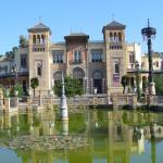 Pabellón Mudéjar (Museo de Artes y Costumbres Populares), Plaza de América, Siviglia, Andalusia, Spagna. Author and Copyright Liliana Ramerini