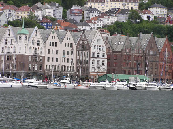 Bryggen, Bergen, Norvegia. Author and Copyright Marco Ramerini.,.