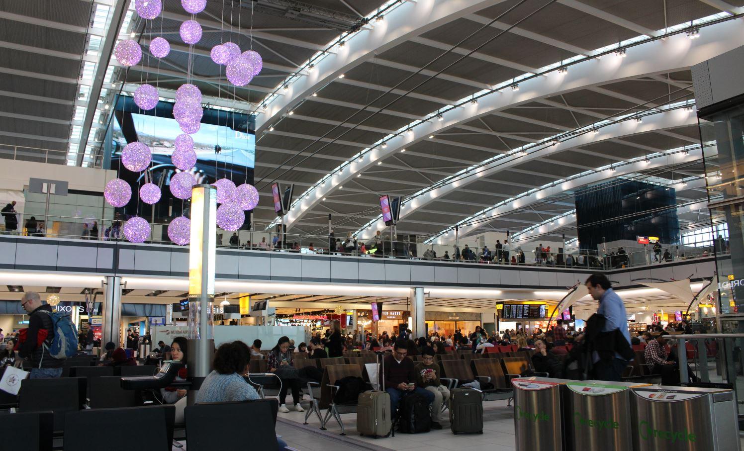 Aeroporto Heathrow Londra : Viaggiare con i bambini l aeroporto di londra heathrow