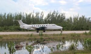 L'aereo che collega l'aeroporto di Stella Maris con Nassau. Long Island, Bahamas. Author and Copyright Marco Ramerini