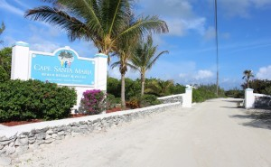 L'ingresso al Cape Santa Maria Beach Resort, Long Island, Bahamas. Autore e Copyright Marco Ramerini