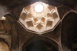 Cupolina, Moschea del Venerdì (Moschea Jāmeh), Isfahan, Iran. Autore e Copyright Marco Ramerini