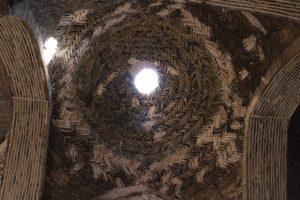 Cupolina in mattoni, Moschea del Venerdì (Moschea Jāmeh), Isfahan, Iran. Autore e Copyright Marco