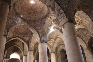 Interno, Moschea del Venerdì (Moschea Jāmeh), Isfahan, Iran. Autore e Copyright Marco Ramerini
