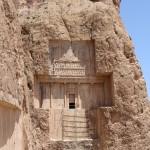 La tomba di Serse I, Naqsh-e Rostam, Iran. Autore e Copyright Marco Ramerini