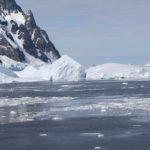 La parte sud del canale è spesso bloccata da grandi icebergs, Lemaire Channel, Antartide. Autore e Copyright Marco Ramerini