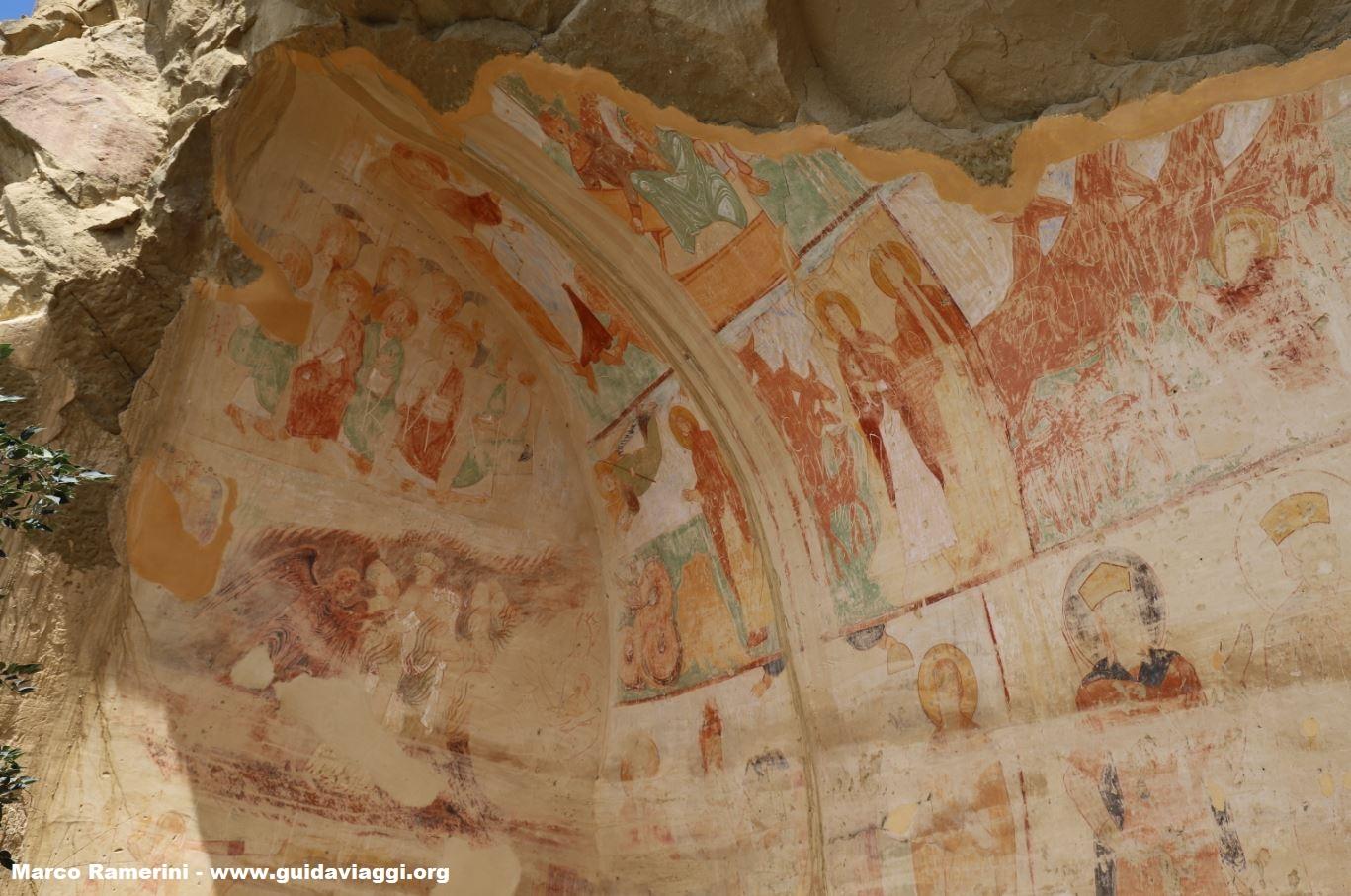 Affreschi nelle grotte, Davit Gareja, Georgia. Autore e Copyright Marco Ramerini