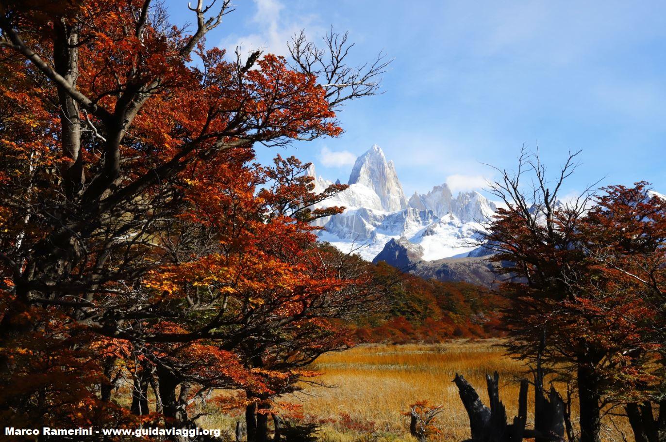 Autunno in Patagonia con il Monte Fitz Roy, Parco Nazionale Los Glaciares, Argentina. Autore e Copyright Marco Ramerini