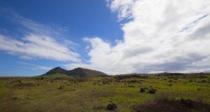 Rano Raraku crater, Isola di Pasqua, Cile. Autore e Copyright Marco Ramerini...