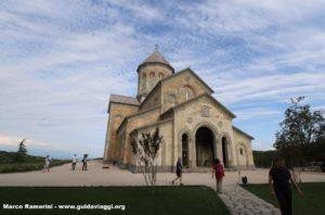 Chiesa moderna, Convento di Bodbe, Sighnaghi, Georgia. Autore e Copyright Marco Ramerini
