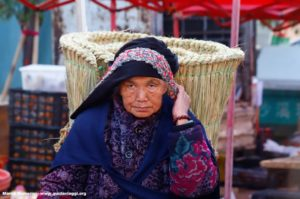 Donna, Shaxi, Yunnan, Cina. Autore e Copyright Marco Ramerini...