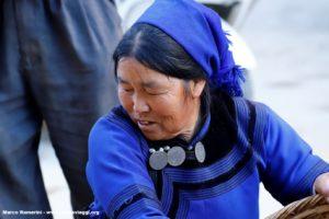 Donna, Shengcun, Yuanyang, Yunnan, Cina. Autore e Copyright Marco Ramerini...