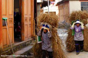 Donne, Qingkou, Yuanyang, Yunnan, Cina. Autore e Copyright Marco Ramerini