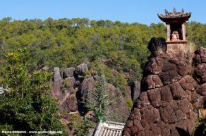 Monte Shibao (Shibaoshan), Yunnan, Cina. Autore e Copyright Marco Ramerini.