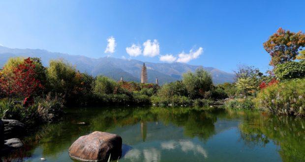 Tre Pagode del Tempio di Chongsheng, Dali, Yunnan, Cina. Autore e Copyright Marco Ramerini