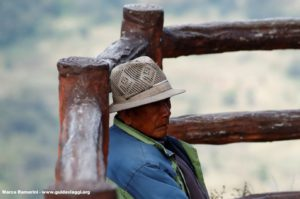 Uomo, Bada, Yuanyang, Yunnan, Cina. Autore e Copyright Marco Ramerini...
