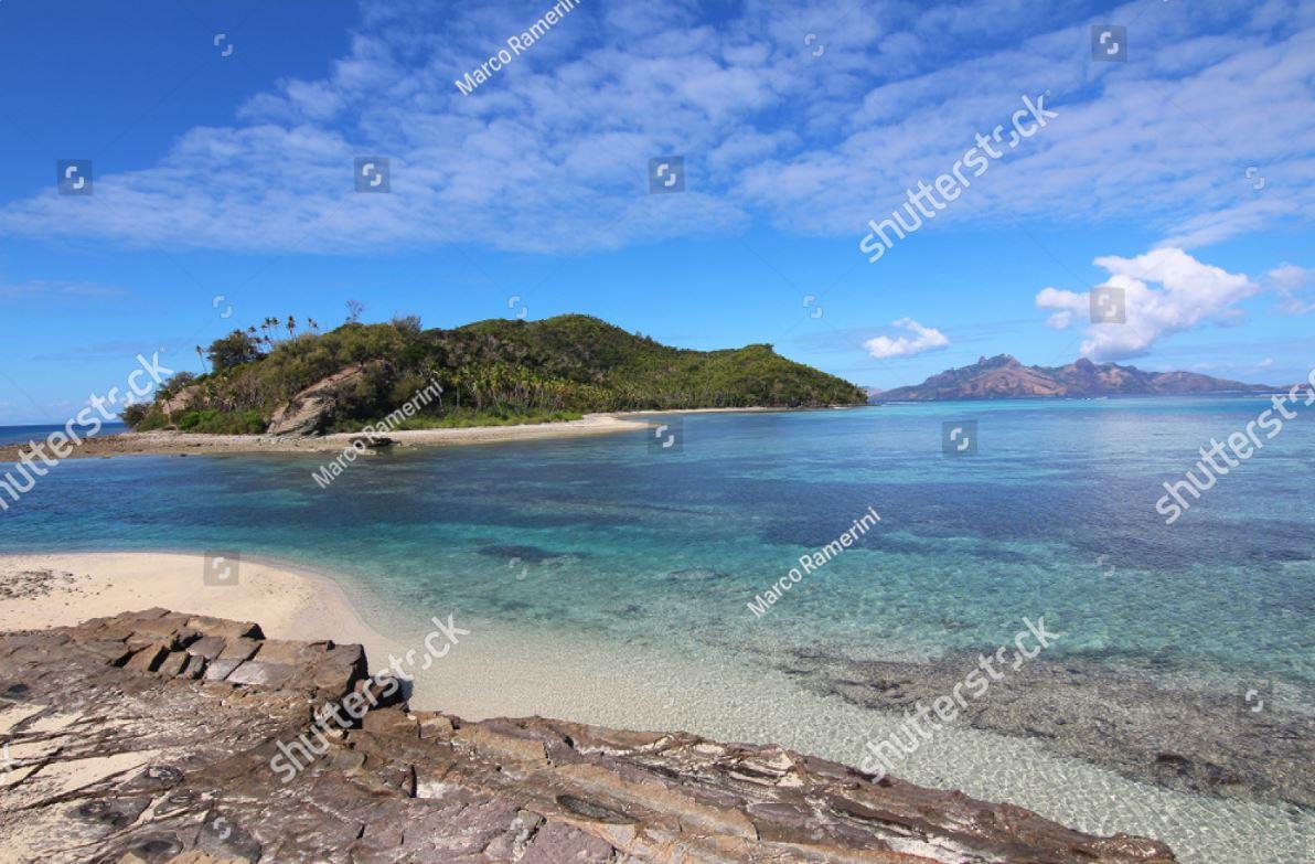 La laguna tra le isole di Narara e Naukacuvu nelle Isole Yasawa, Figi