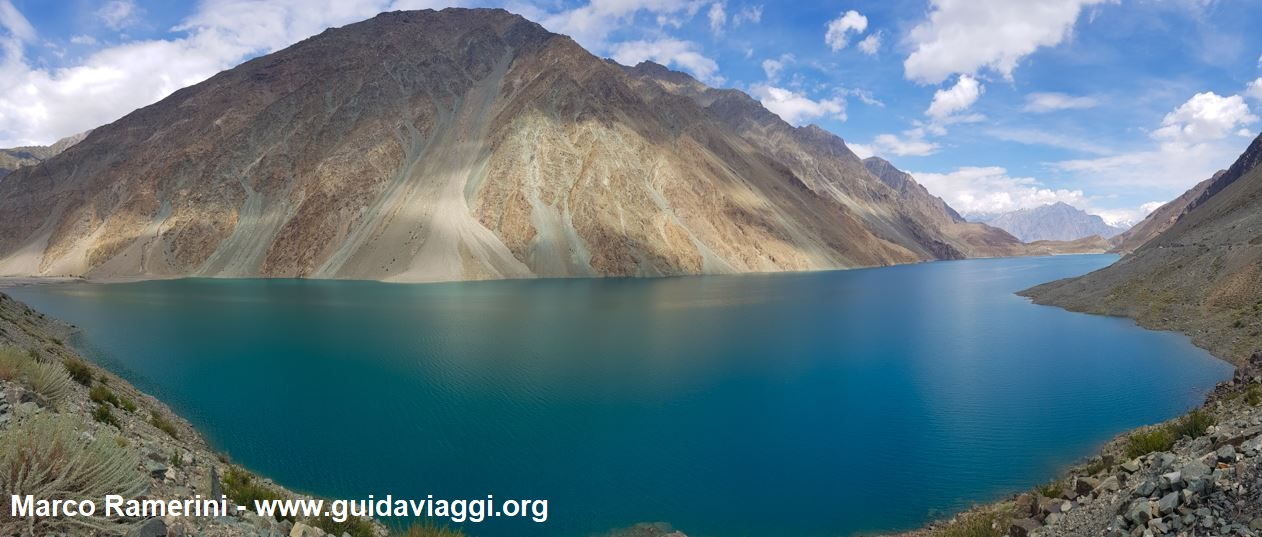 Il lago Satpara nei pressi di Skardu, Baltistan, Pakistan. Autore e Copyright Marco Ramerini