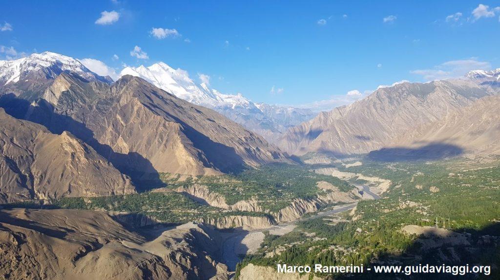 Veduta della valle dello Hunza dall'Eagle's Nest, Pakistan. Autore e Copyright Marco Ramerini