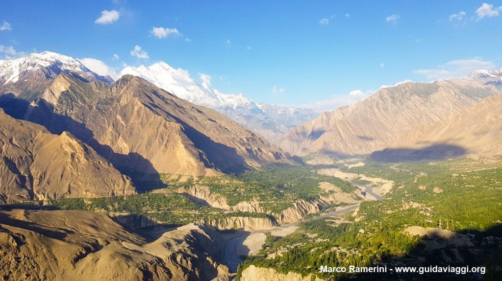 La valle dello Hunza con il Rakaposhi. Pakistan. Autore e Copyright Marco Ramerini