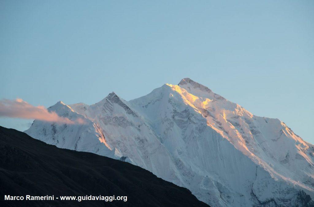 Monte Rakaposhi al tramonto, Karakorum, Pakistan. Autore e Copyright Marco Ramerini