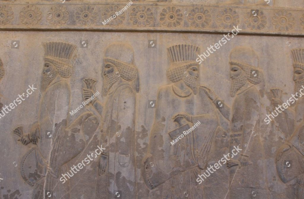 Persepoli, Iran. Un bassorilievo dell'Apadana. Rovine della capitale cerimoniale dell'Impero persiano (Impero achemenide). Autore e copyright Marco Ramerini